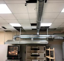 Монтаж вытяжной вентиляции в пекарне , установка вытяжного зонта над печами